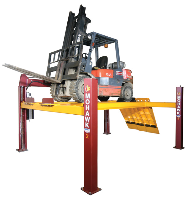Fork Truck Maintenance Lift